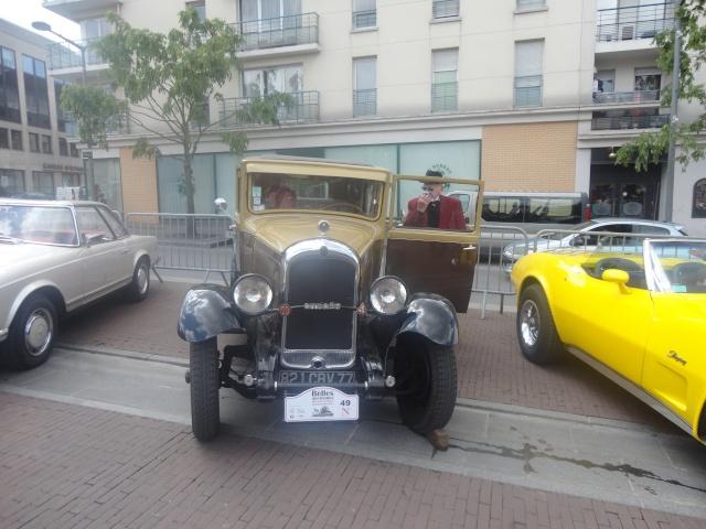 Exposition anciennes voitures des films/series TV a Noisy le Grand Dsc01340