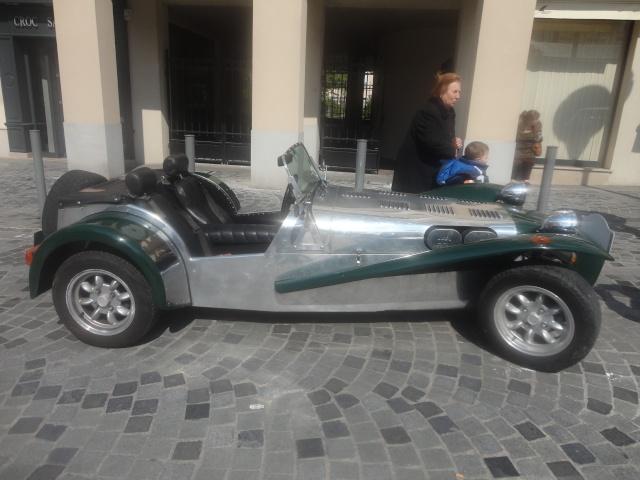 Exposition anciennes voitures des films/series TV a Noisy le Grand Dsc01410