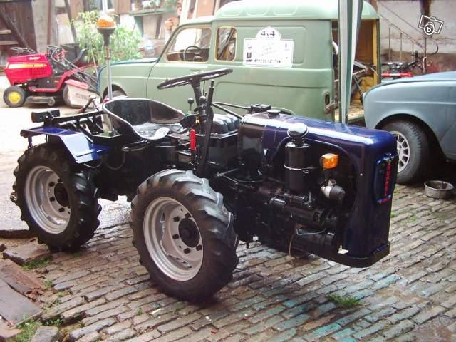 Petits tracteurs 4 roues motrices 06745910