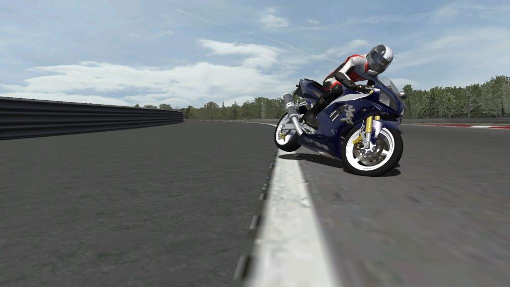 WIP Yamaha R1 Screen11