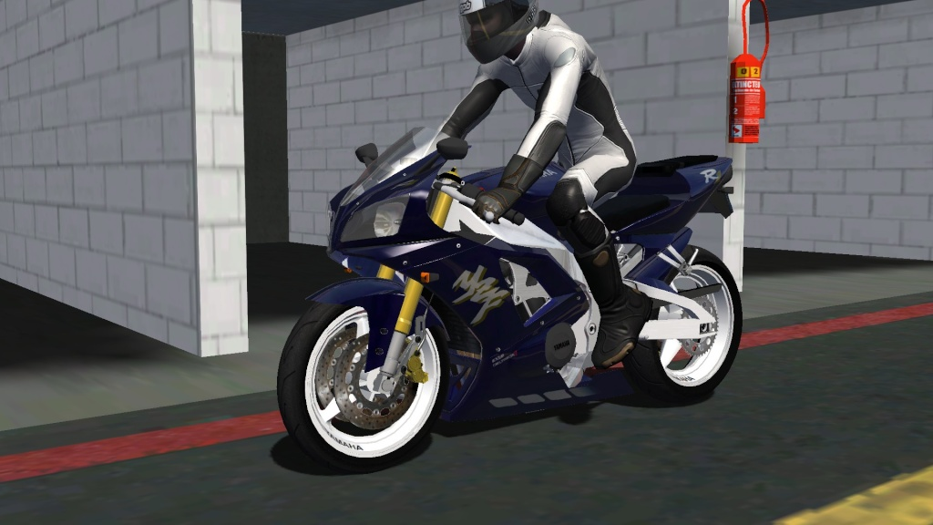 WIP Yamaha R1 Screen24