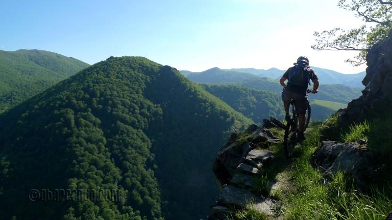 Belles images de paysages à vélo, mais pas que...  46886610