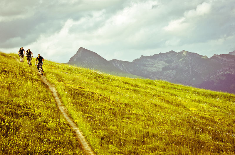 Belles images de paysages à vélo, mais pas que...  Alpes10