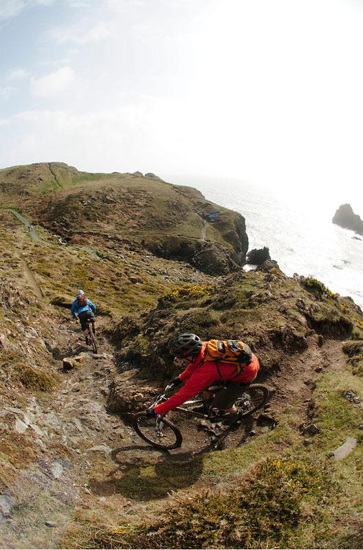 Belles images de paysages à vélo, mais pas que...  Cornou10