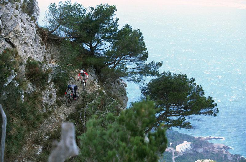 Belles images de paysages à vélo, mais pas que...  Majorq10