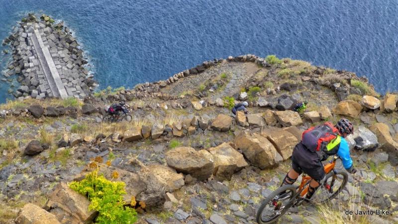 Belles images de paysages à vélo, mais pas que...  P1020010