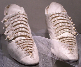 Frauen und Schuhe - in Bildern Brauts10