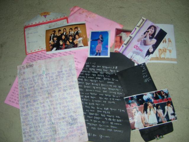 SNSD speak up on trashed fan letters Snsd_210