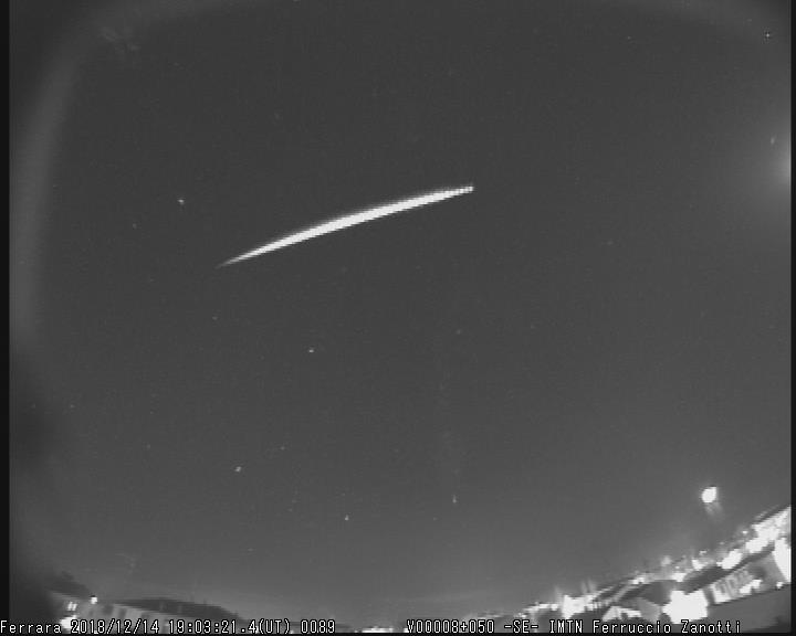 Fireball 2018.12.14_19.03.21 ± 1 U.T. M2018129