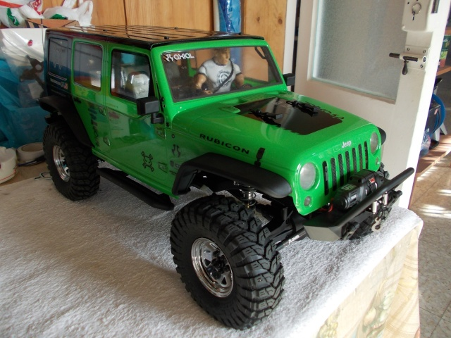 Axial scx10 Jeep Wrangler Unlimited Rubicon KIT - Página 2 04010