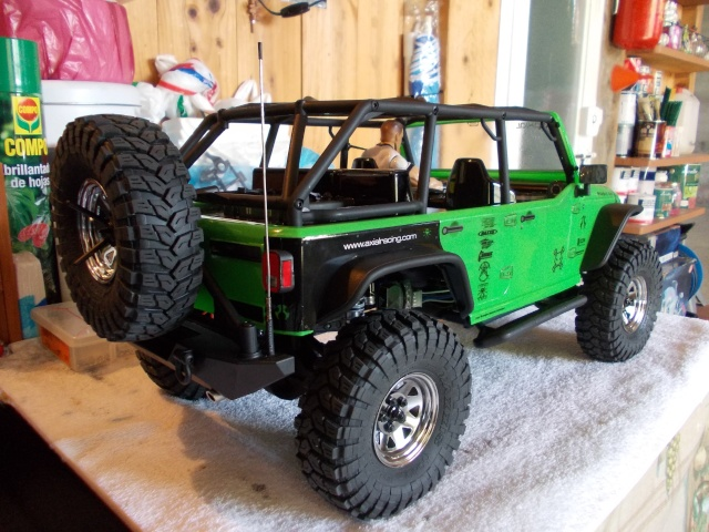 Axial scx10 Jeep Wrangler Unlimited Rubicon KIT - Página 2 04510