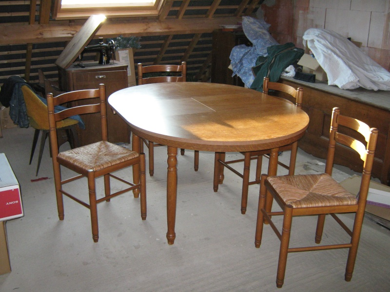 vends une table formica + 4 chaises Table_10