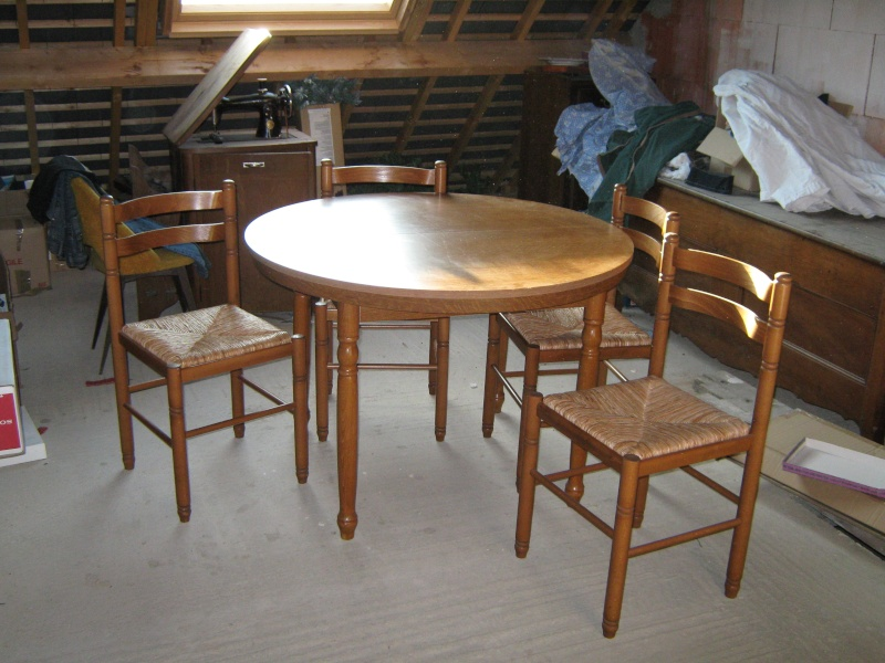 vends une table formica + 4 chaises Table_11