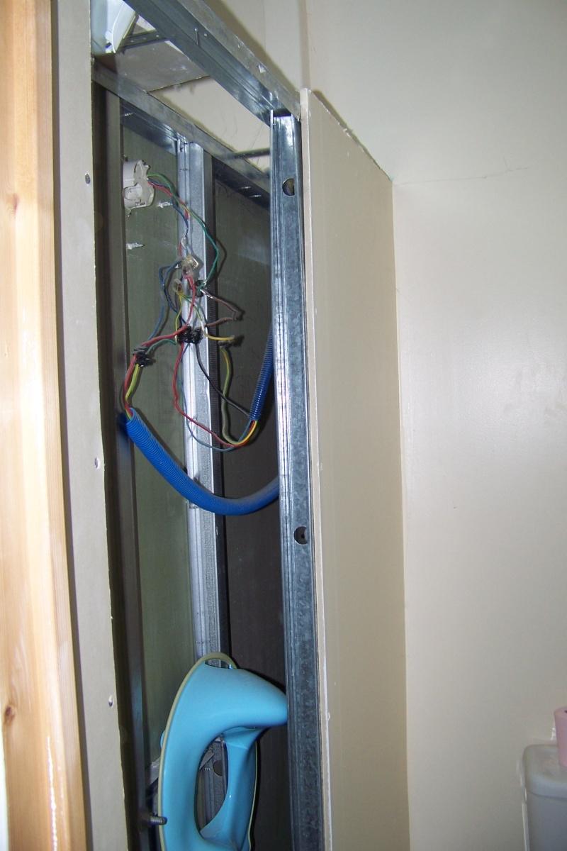 un nouveau chantier à préparer ma salle de bains! 100_4125