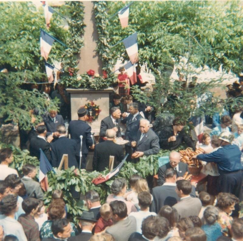 Fête de la Fontaine 1967 Charle28