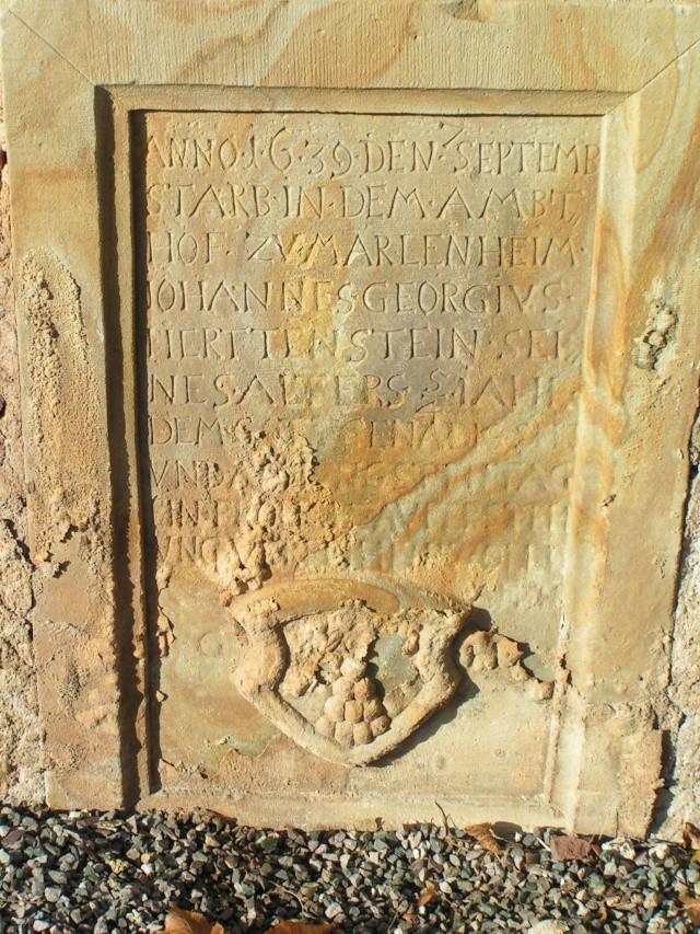 Monuments funéraires Pict0011