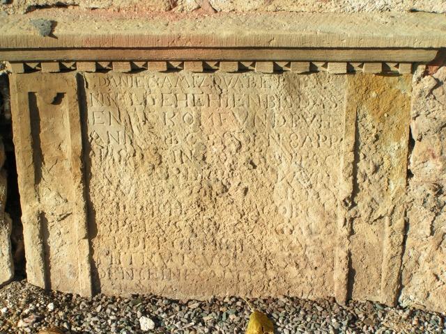 Monuments funéraires Pict0012