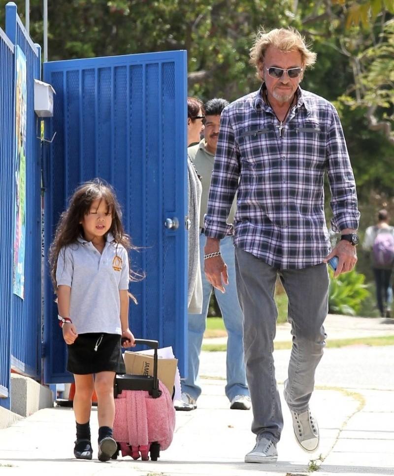 Johnny et joy sortie d école Johnn264