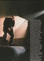 [livre]Johnny Hallyday 50 ans de scène et de passion Img_0580