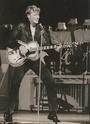 [livre]Johnny Hallyday 50 ans de scène et de passion Img_0585