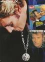 [livre]Johnny Hallyday 50 ans de scène et de passion Img_0974