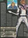 [livre]Johnny Hallyday 50 ans de scène et de passion Img_1021