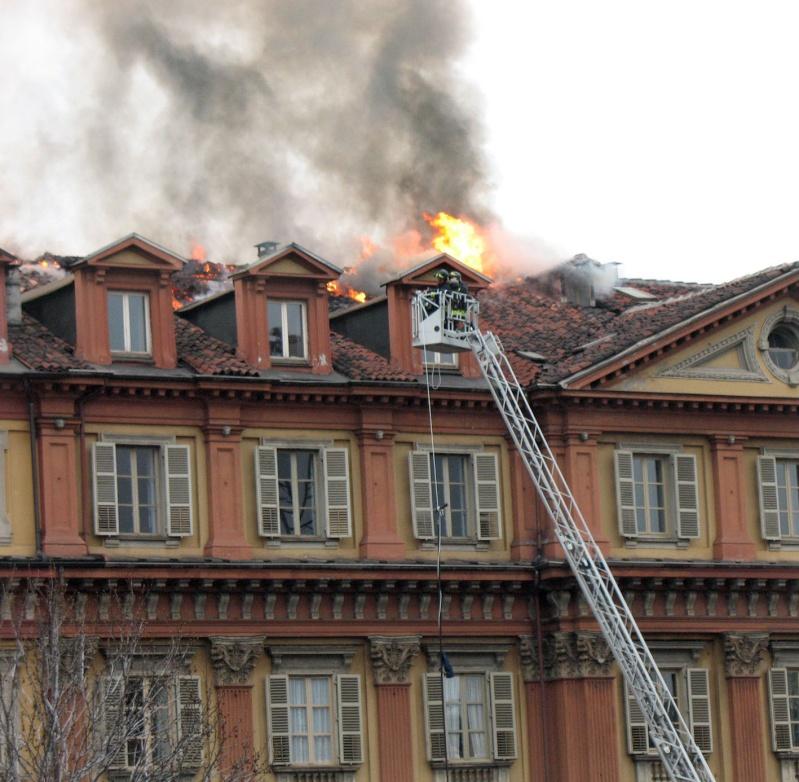 incendio tetto 110