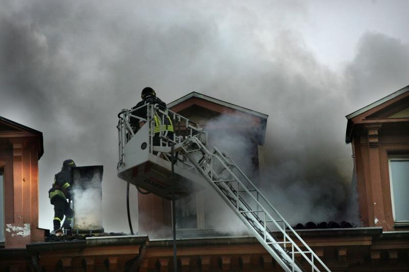 incendio tetto 710