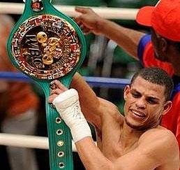 Elio Rojas es el nuevo campeón mundial dominicano Elio-r11