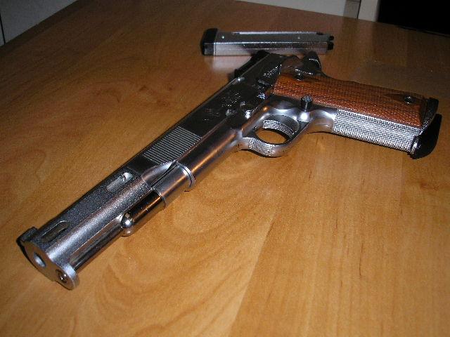 Colt Jim Boland 38-super P3250013