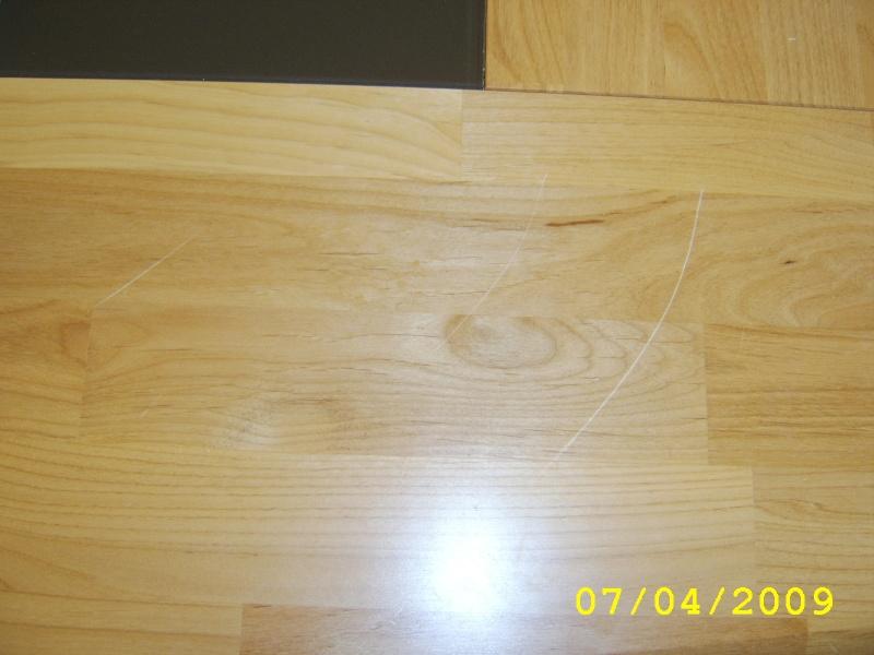 une table en aulme rayée, help !! Sta70515