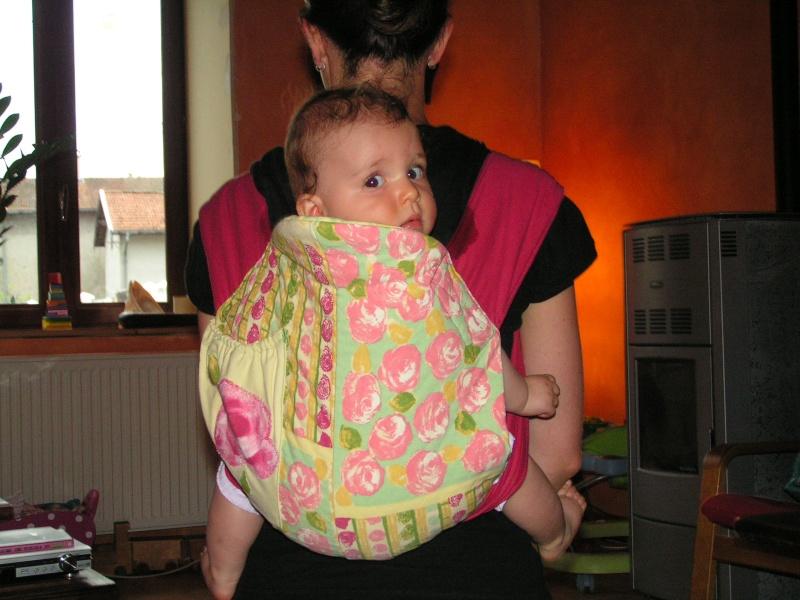 Les portes-bébé du monde ou une alternative à l'écharpe - Page 3 Pict0010