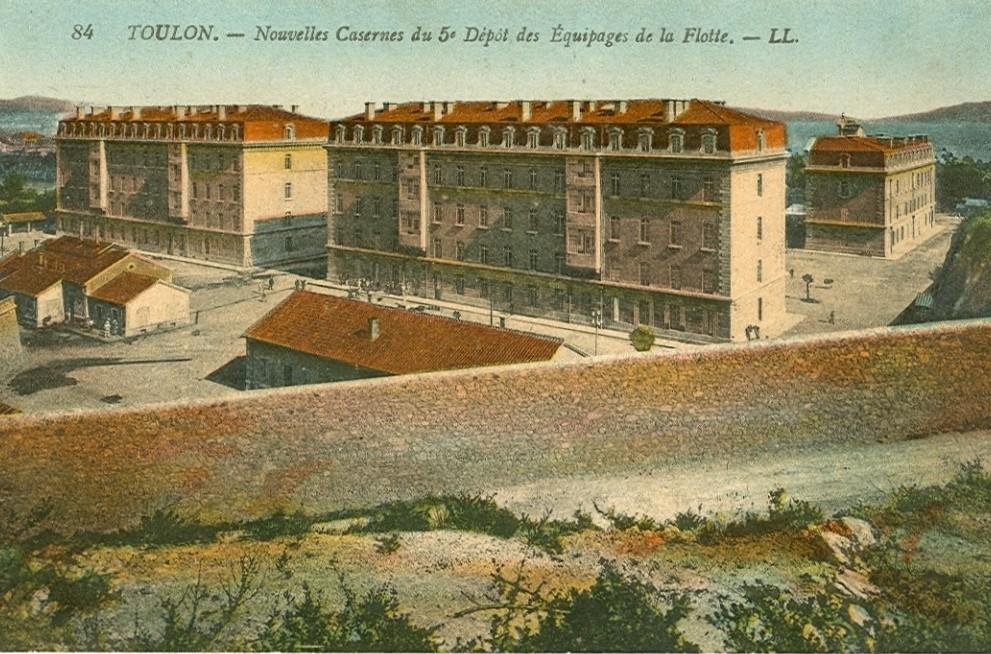 [Les Ports Militaires de Métropole]  De la création de l'arsenal de Toulon à aujourd'hui la base navale - Page 3 1164