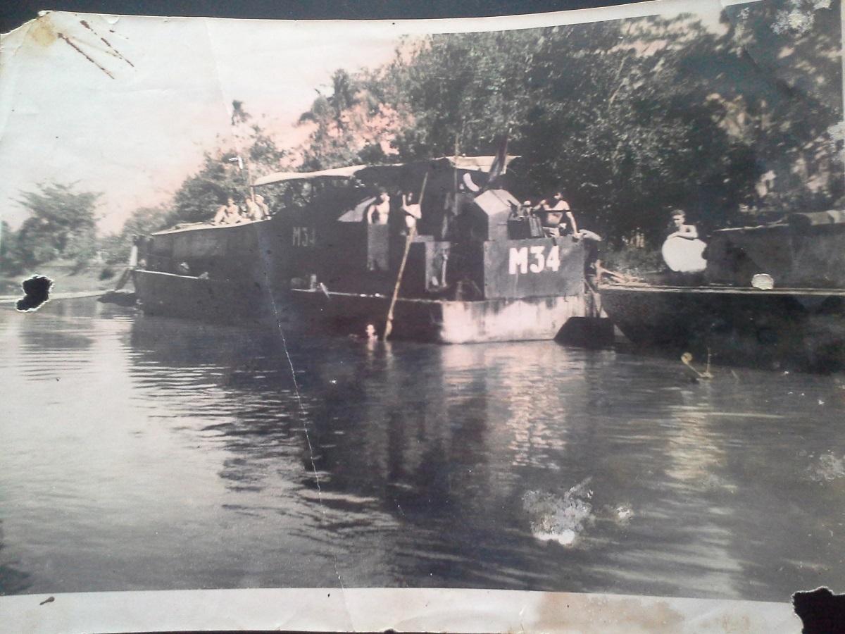 LCM 24 en 1951.  1181