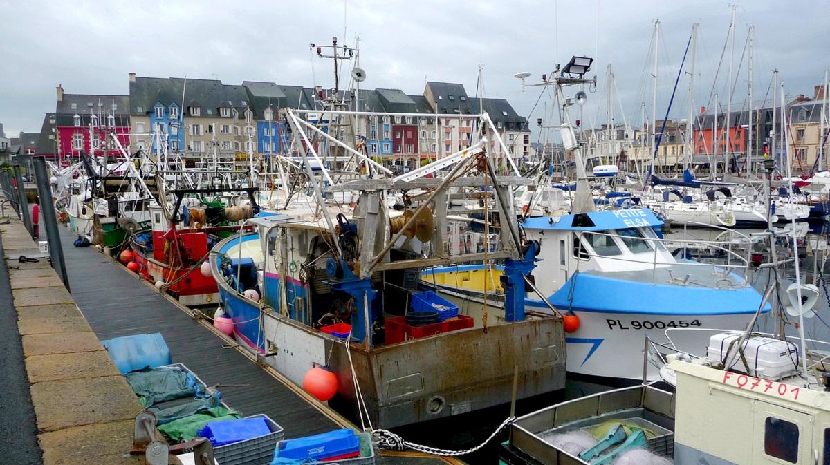[VIE DES PORTS] Quelques bateaux de pêche (sur nos côtes Françaises) - Page 12 1293