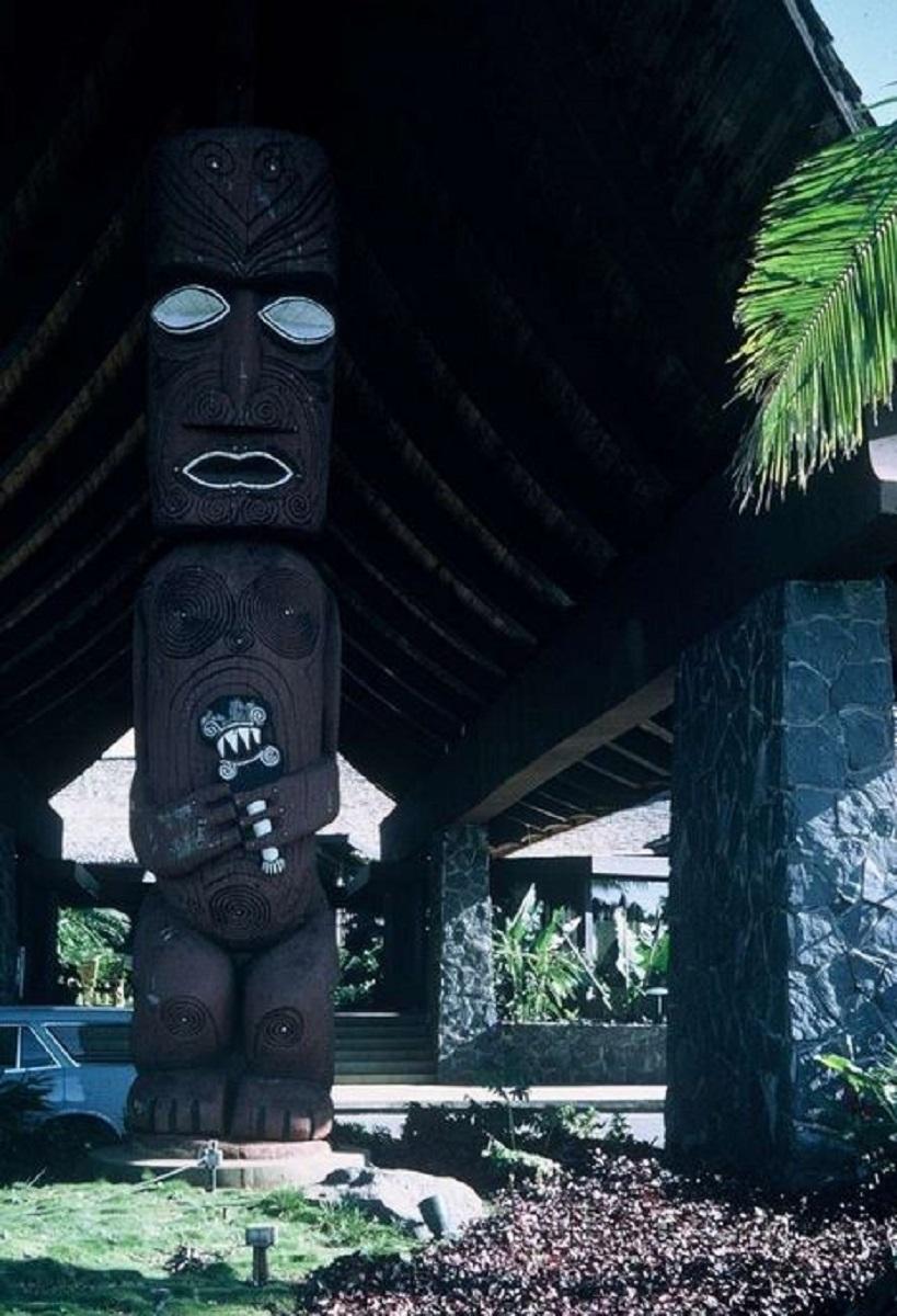 [CAMPAGNES C.E.P.] TAHITI - TOME 2 - Page 22 Momo115