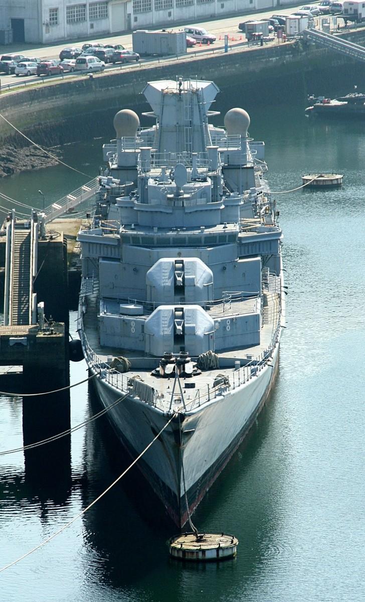[Autre sujet Marine Nationale] Démantèlement, déconstruction des navires - TOME 2 - Page 40 Momo28