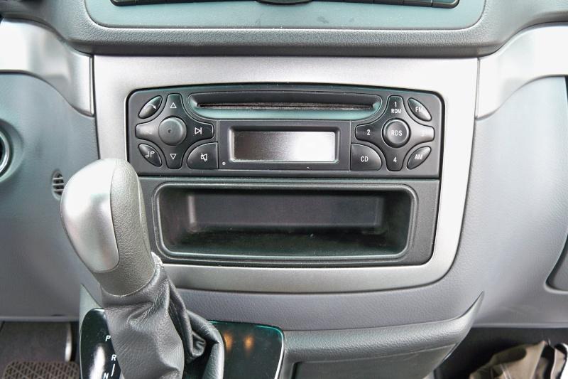 Autoradio: par quoi le remplacer? 100_0212