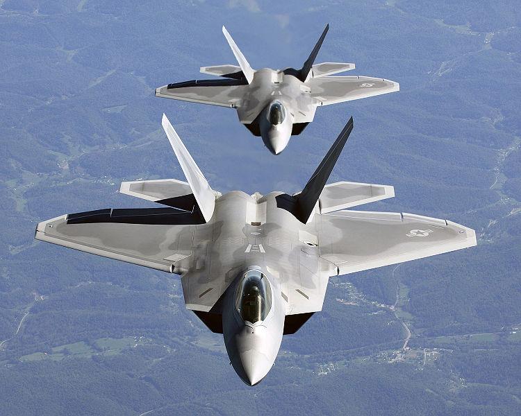 Lockheed Martin F-22 Raptor 750px-10