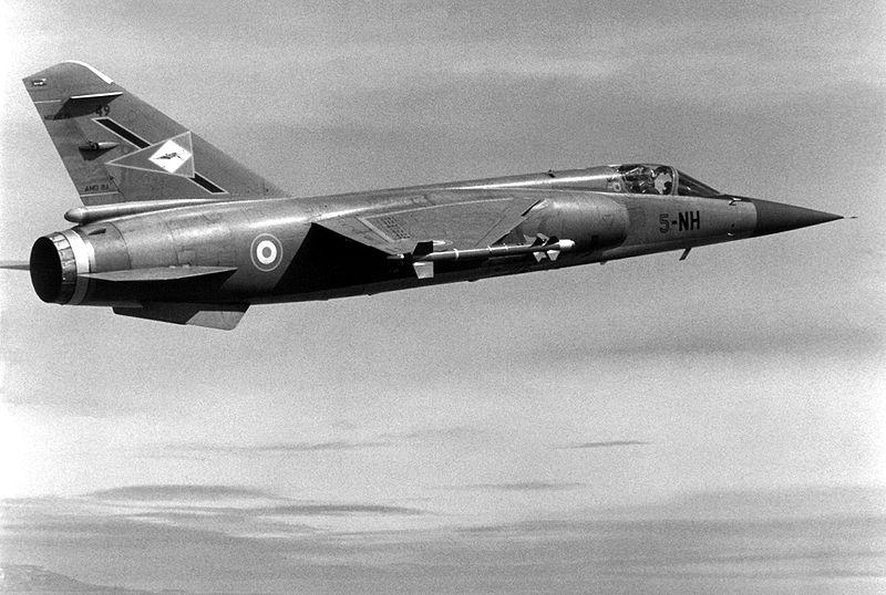 Mirage F-1 800px-10