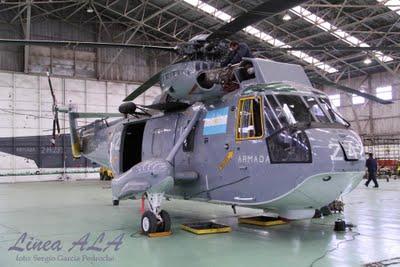 Llegaron dos Sea King para la ARA Img_4610