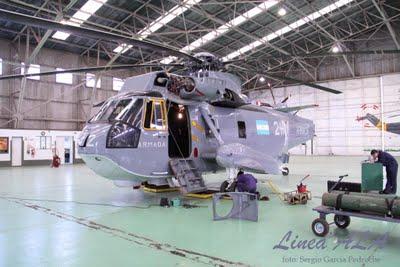 Llegaron dos Sea King para la ARA Img_4611