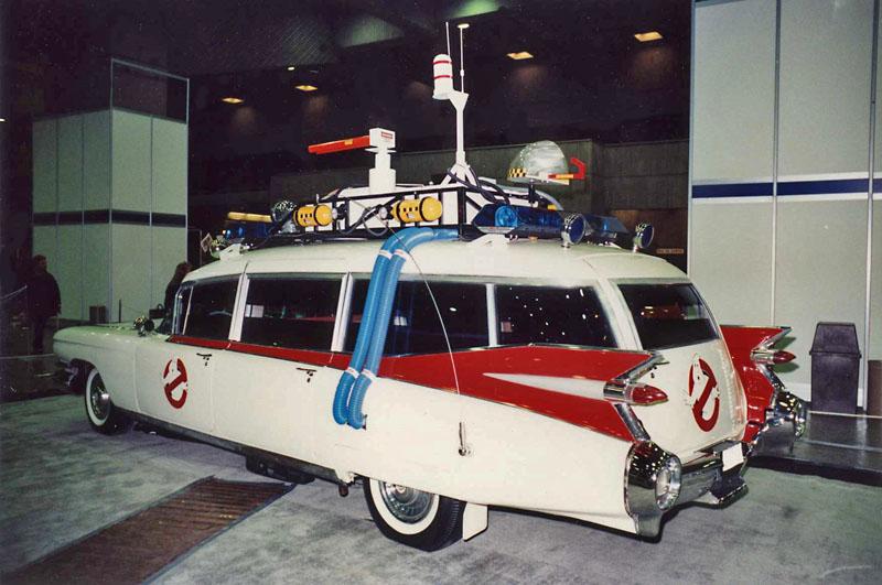 Une replique de ECTO-1 ( Bob Lintz's ) de Ohio a Montreal en 1991  Escto_11