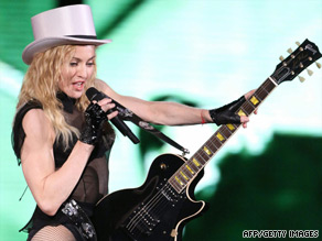 Second person dies after Madonna stage collapse. (17/07/09) Art_ma10