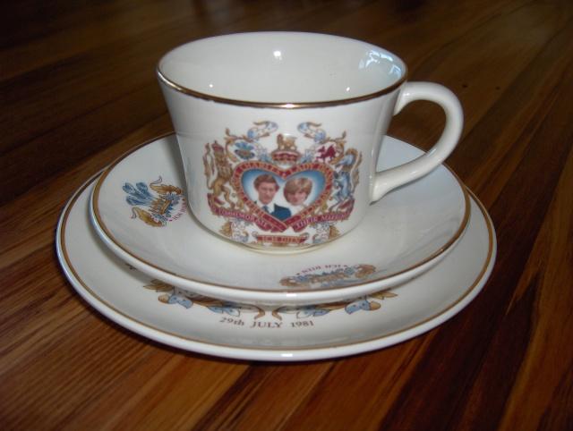 Crown lynn royalty trio !... Hpim6214