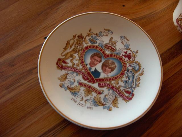 Crown lynn royalty trio !... Hpim6215