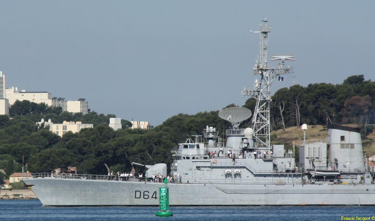 [LES PORTS MILITAIRES DE MÉTROPOLE] Mouvements de Bâtiments dans la rade de Toulon - Page 4 Img_3716