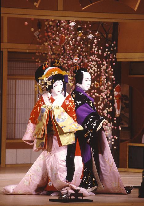 Japan and its culture Kabuki10