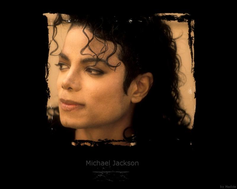 Quale foto di Michael usate per il desktop? - Pagina 3 Michae10