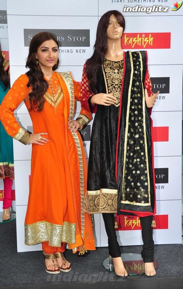 Soha Ali Khan At Shoppers Stop's Festival Soli1811